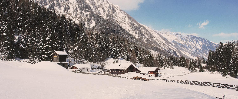 Berg- und Schneelandschaft in Rauris