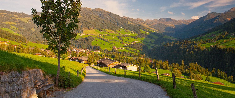 De Alpendorfse Alpbach in het Alpbachtal