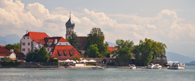 Malerische Ansicht über Wasserburg am Bodensee