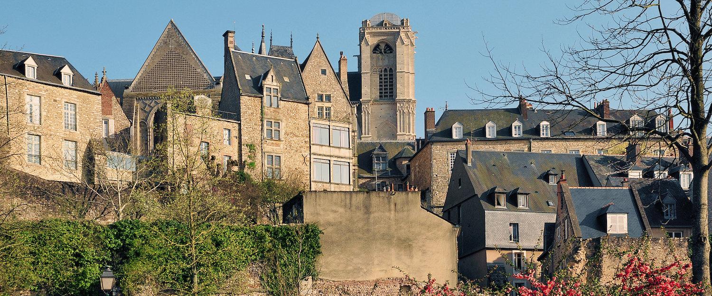 Vue sur un village dans la Sarthe