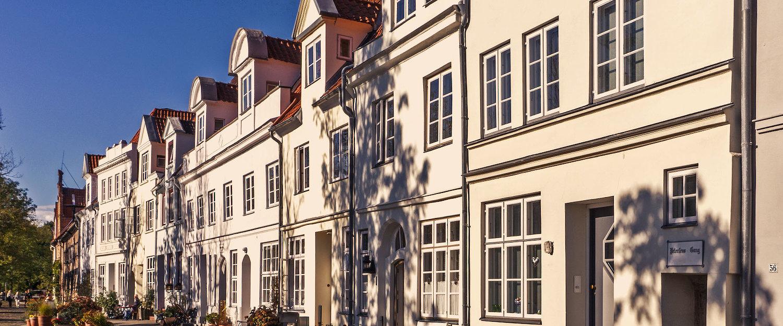 Noord-Duitse oude binnenstad met pittoreske huizen