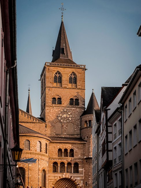 De Sint-Pieterskerk in Trier