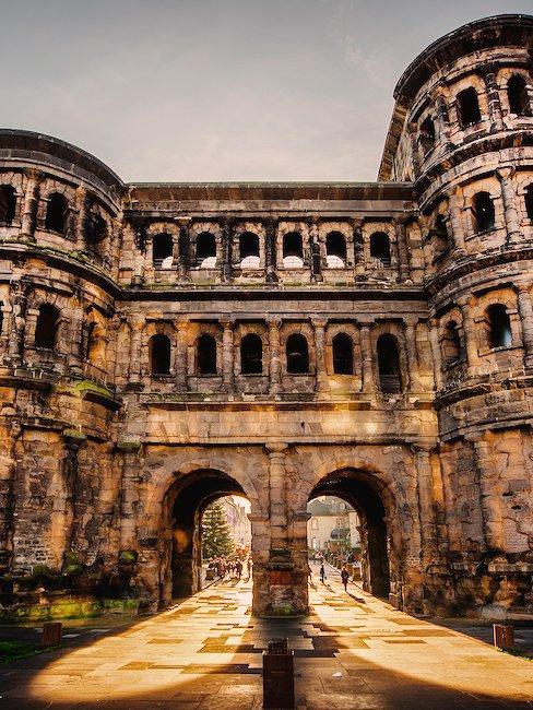 De beroemde Porta Nigra in Trier