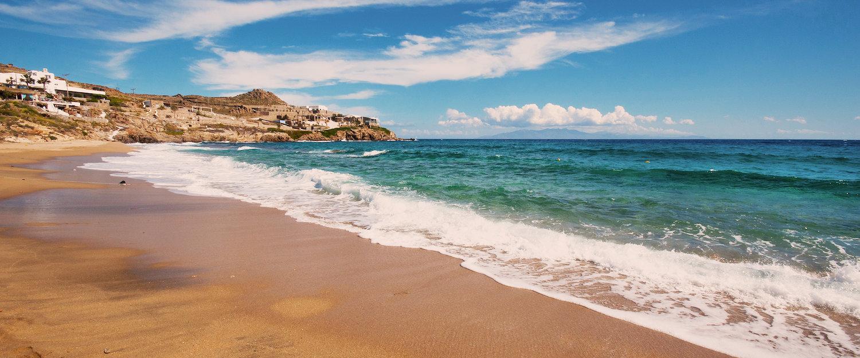 Piaszczysta plaża na Mykonos