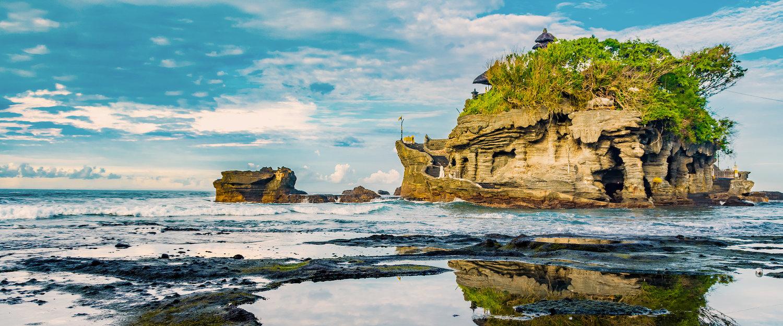 Pura Tanah Lot water temple on Bali