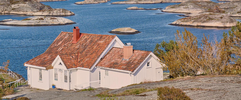 Hvit hus i skjergården nær Kragerø