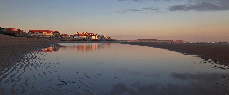 Traumhafter Strand im Sonnenuntergang