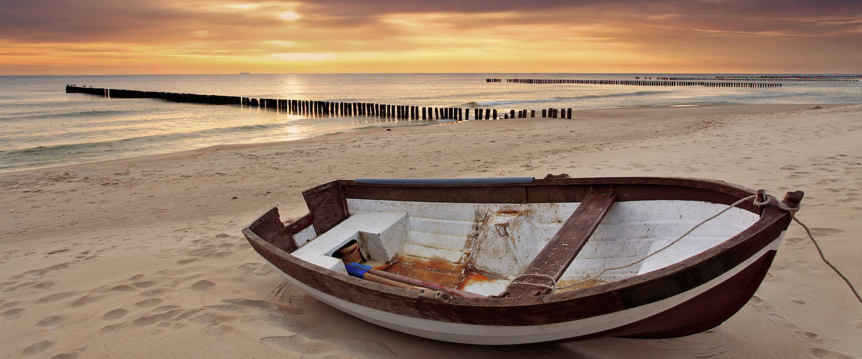 Malowniczy zachód słońca nad Bałtykiem