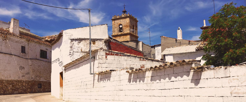 Calles de El Taboso y su iglesia