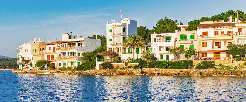 Typische Ferienhäuser von Portopetro