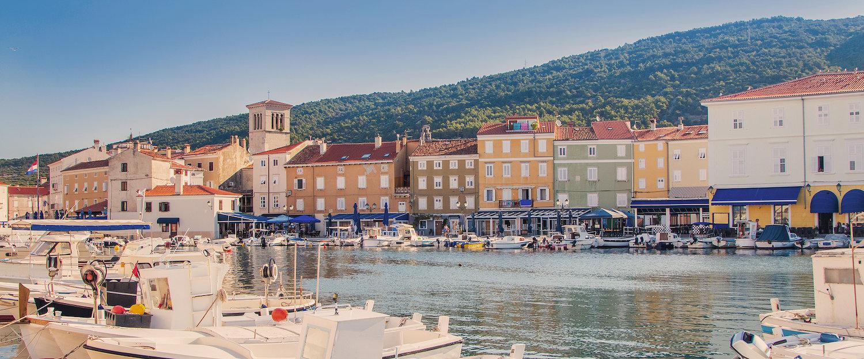 Im Hafen von Stadt Cres