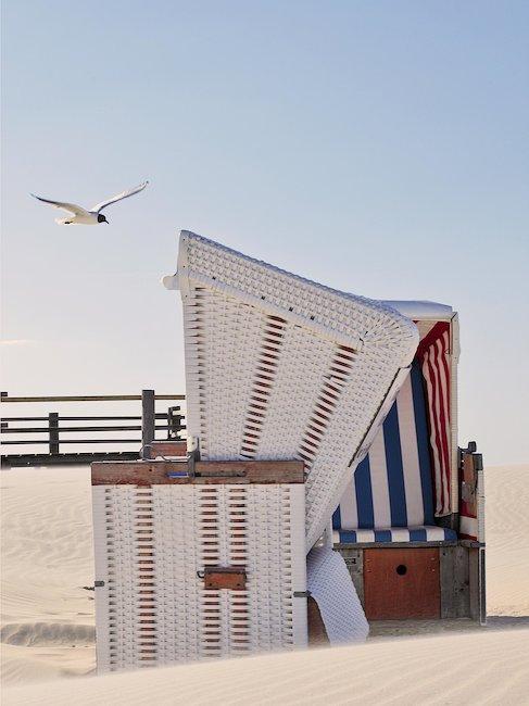 Entspannen Sie in einem Strandkorb in Horumersiel