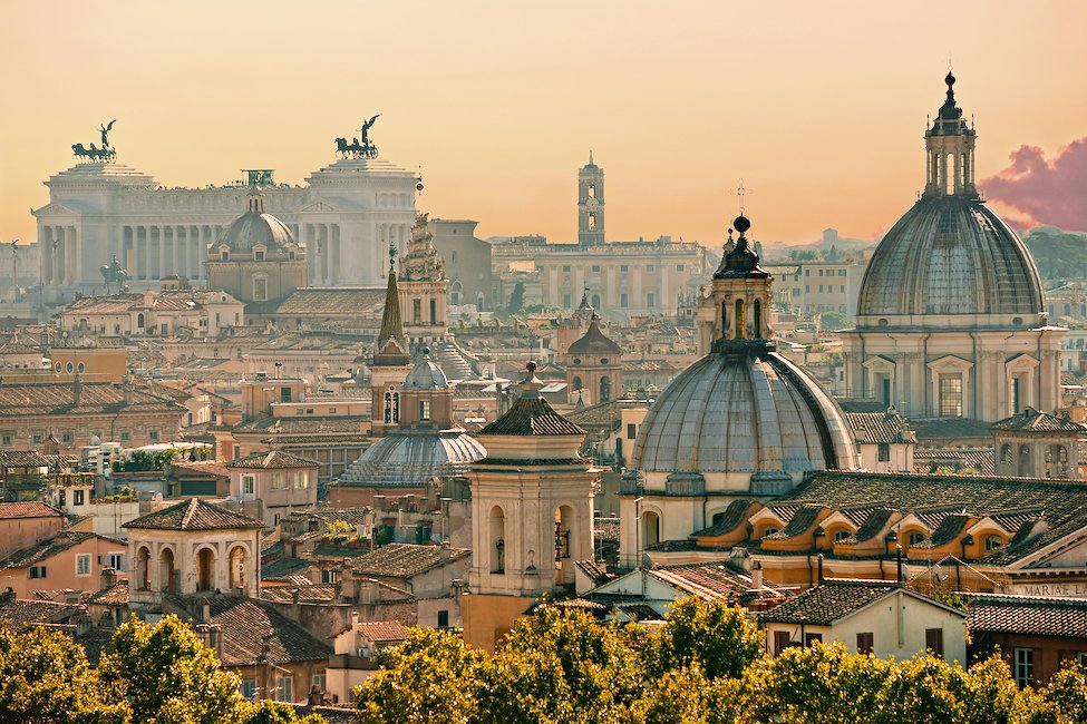 Holiday Homes & Baches in Rome