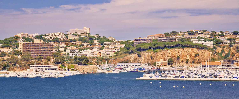 Vistas del puerto de Sant Feliu de Guíxols