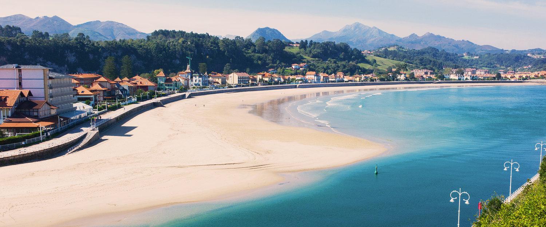 Malerischer Strand in Asturien
