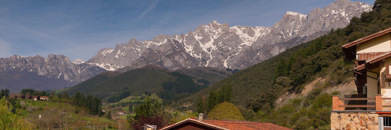 Vistas a los Picos de Europa
