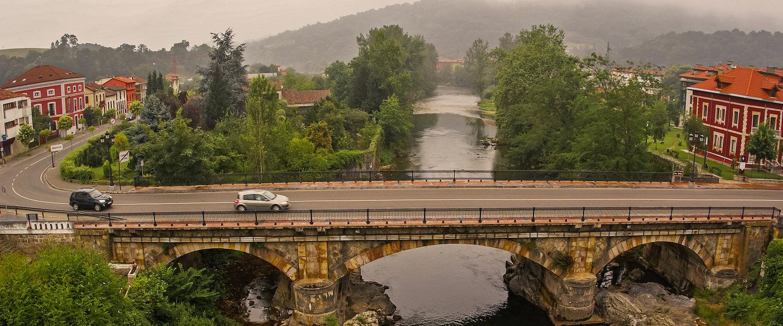 Puente en Cangas de Onís