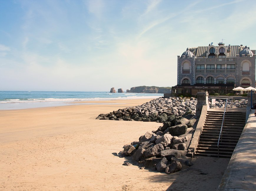 Locations de vacances hendaye pas cher holidu for Appart hotel hendaye