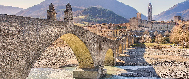Il Ponte Gobbo a Bobbio, Piacenza.