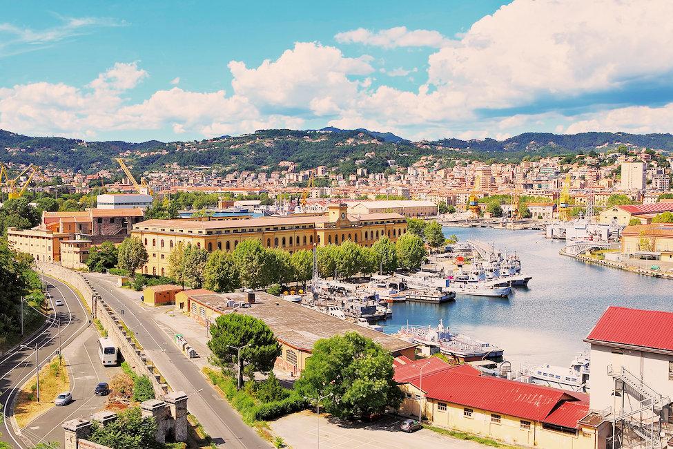 Case vacanze e appartamenti a la spezia economici holidu for Case la spezia