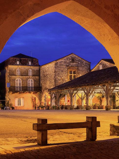 Place des Corniares, Dordogne