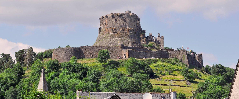 Burg Murol, die Ruine einer mittelalterlichen Höhenburg