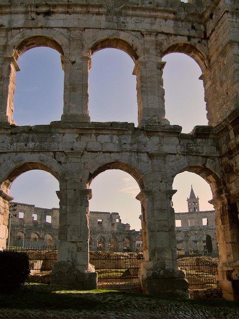 Das römische Amphitheater in Pula