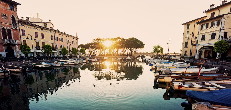 Sonnenuntergang am Hafen von Desenzano del Garda
