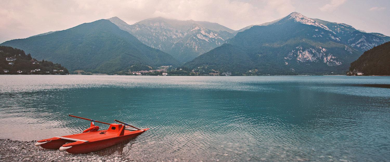 Blick auf den Bergsee von Ledro