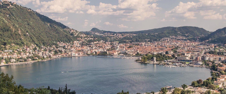 Traumhafter Blick auf die Stadt Como