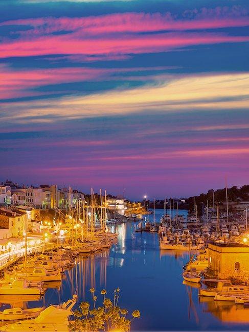 El puerto de noche