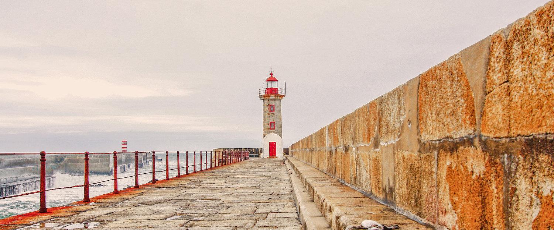 Farol na Costa Verde