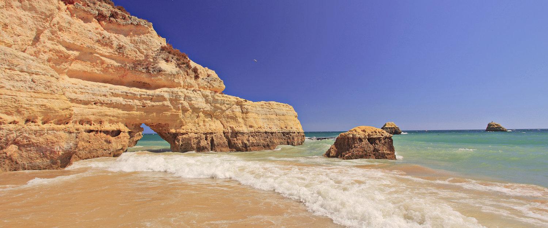 Praia na Costa Azul