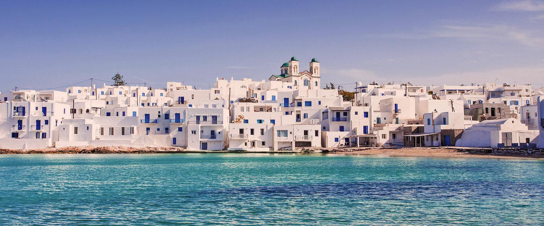 Malerisches weißes Dorf Naoussa auf Paros