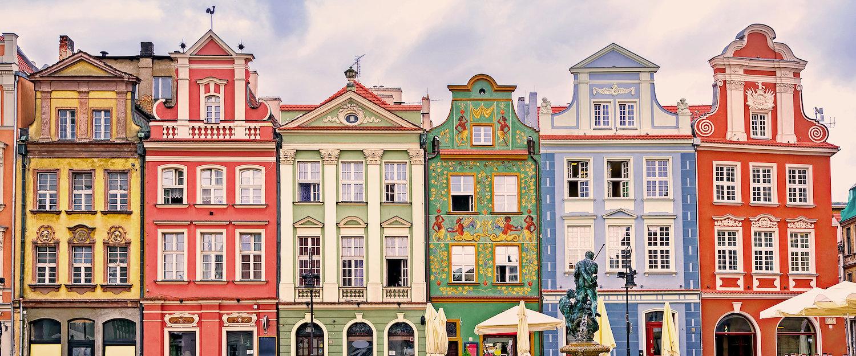 Kolorowe kamienice w starej części miasta