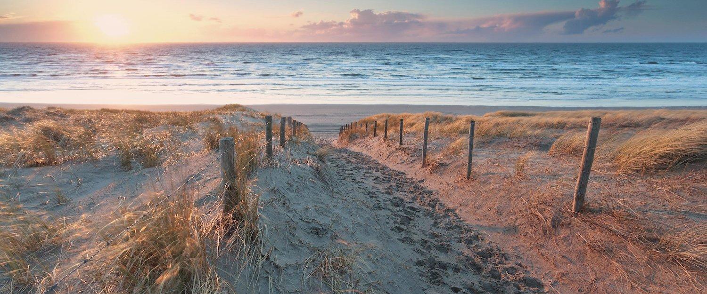 Sonnenuntergang über dem Meer in Zandvoort