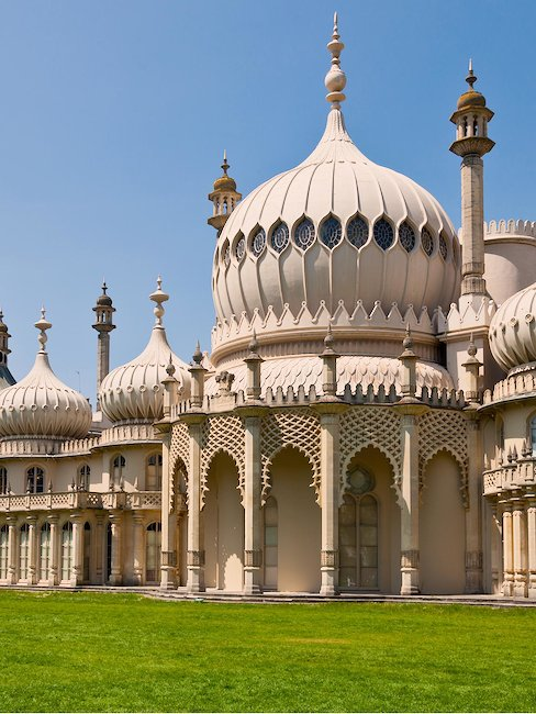The Royal Pavillon, an exotic palace in the centre of Brighton