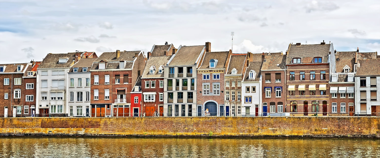Typisch Niederländische Graachten In Maastricht