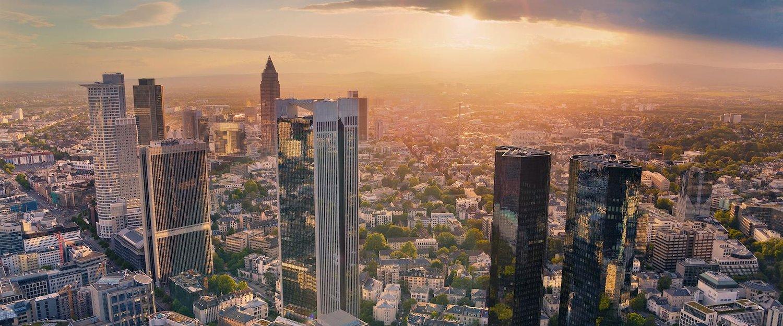 Blick von oben auf die Stadt Frankfurt