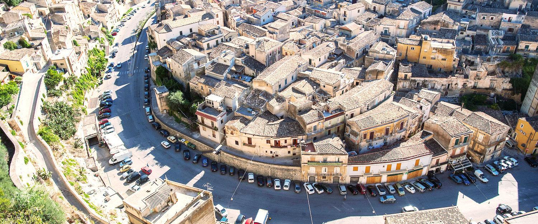 Città barocca vista dall'alto.