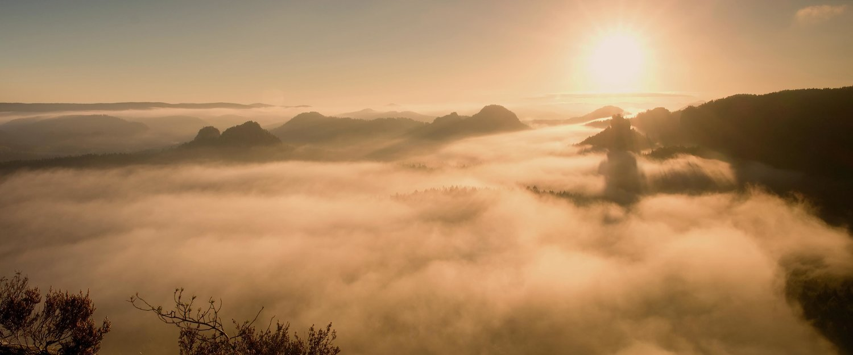 De zonsopgang in winterberg