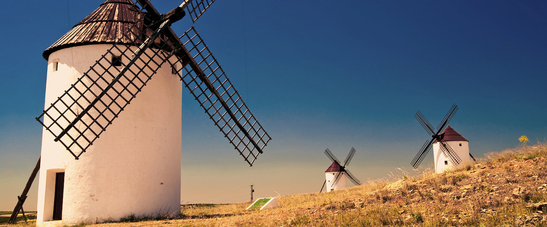 Los típicos molinos de viento de Castilla-La Mancha