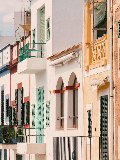 Los típicos balcones mediterráneos en Portocolom