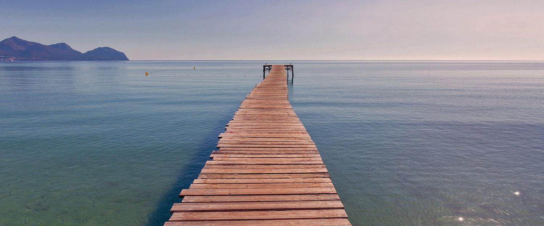 El largo muelle es el símbolo de Playa de Muro.