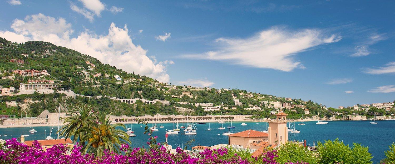 Exklusive Hafen in Nizza an der Côte d'Azur