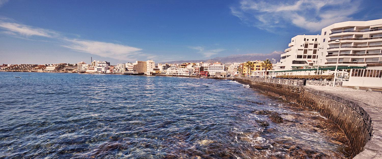 El mar y la costa en El Medano