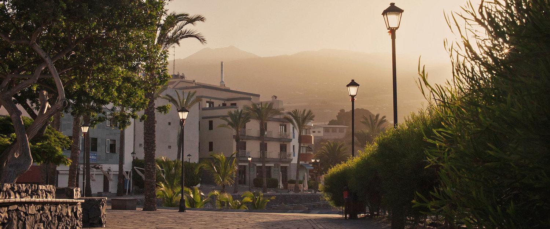 Amanecer en las calles de Playa de San Juan