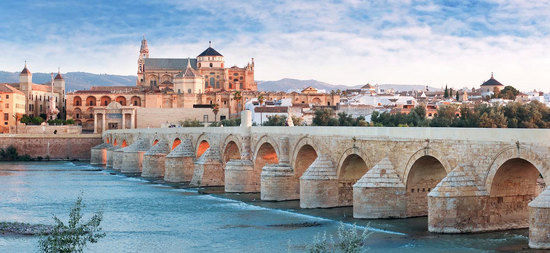 El Puente Romano sobre el Guadalquivir, La Mezquita y la Catedral