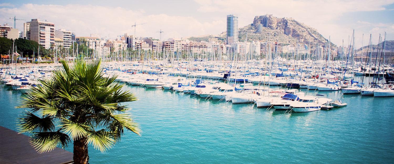 Vistas del puerto de Alicante