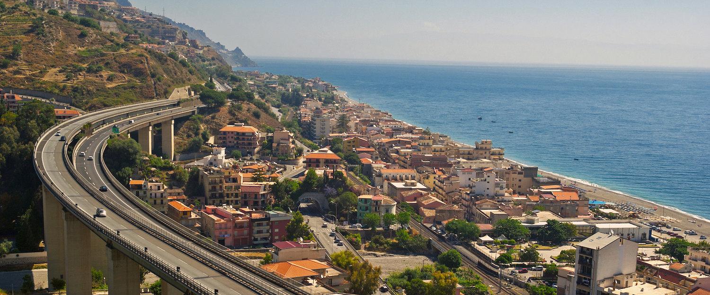 Vista panoramica della costa.